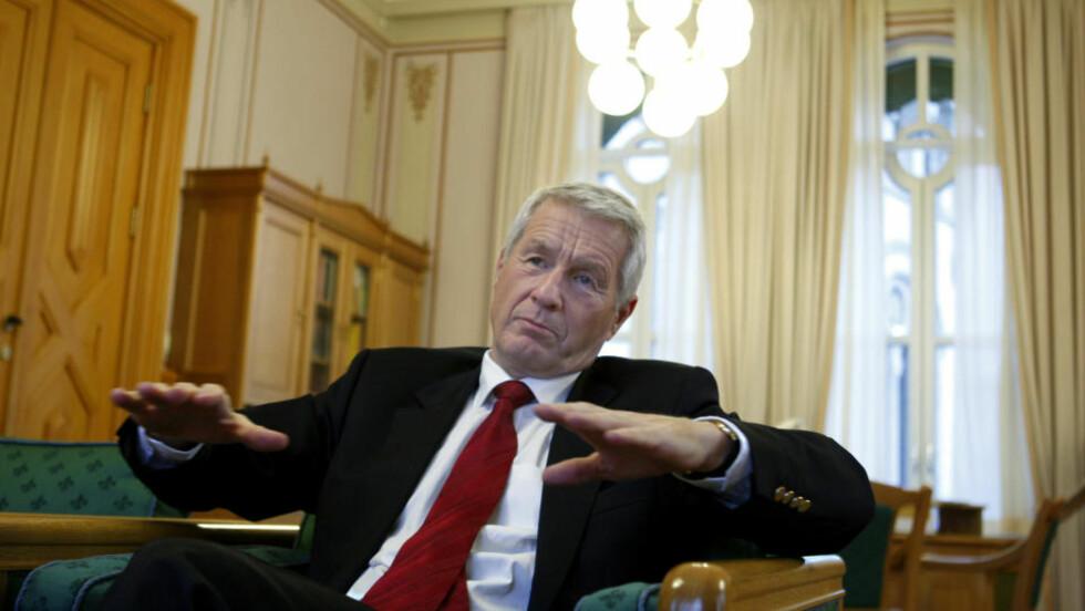 UT MOT KOLBERG: Stortingspresident Thorbjørn Jagland mener partifellene i Arbeiderpartiet konstruerer en islamfrykt.  Foto: Knut Falch / SCANPIX