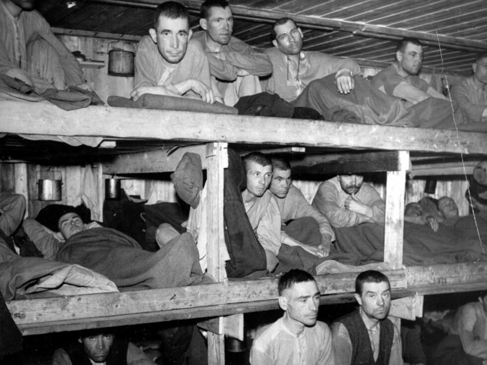 SLAVER: Russiske krigsfanger i Norge. Bildet er tatt sensommeren 1941, inne i en fangeleir i Harstad. Foto: SCANPIX