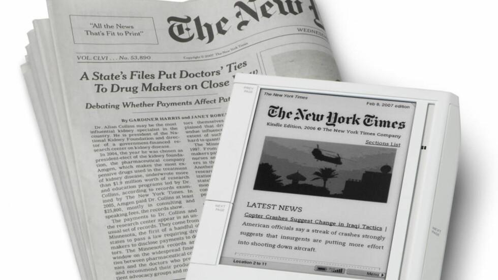 VIL TA BETALT: Brukere av Amazons lesebrett Kindle kan abonnere digitalt på aviser som New York Times. Men er det mulig å ta betalt av vanlige nettbrukere for nyheter på web, slike enkelte mediedirektører later til å tro? Svaret er nei, mener DB.nos kommentator. Foto: REUTERS/SCANPIX