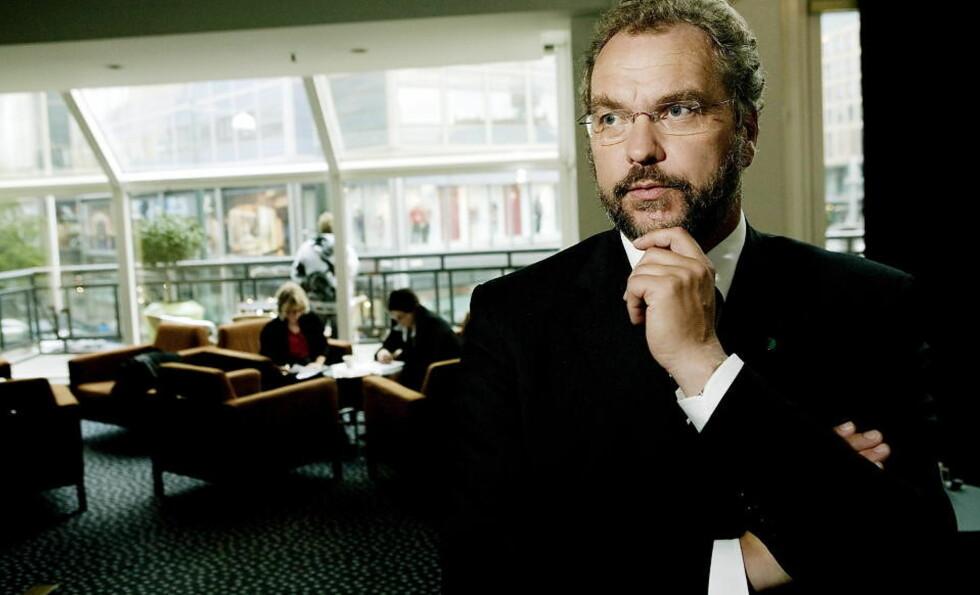 SNART UTE AV TINGET?: Venstre-leder Lars Sponheim har grunn til å bekymre seg etter den siste meningsmålingen. Foto: TORBJØRN GRØNNING