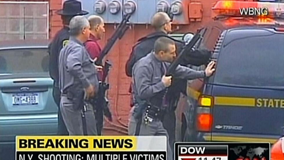 GISSELDRAMA: Flere er skutt og over 40 personer er tatt som gisler i Binghamton utenfor New York. Foto: AFP PHOTO/WBNG via CNN