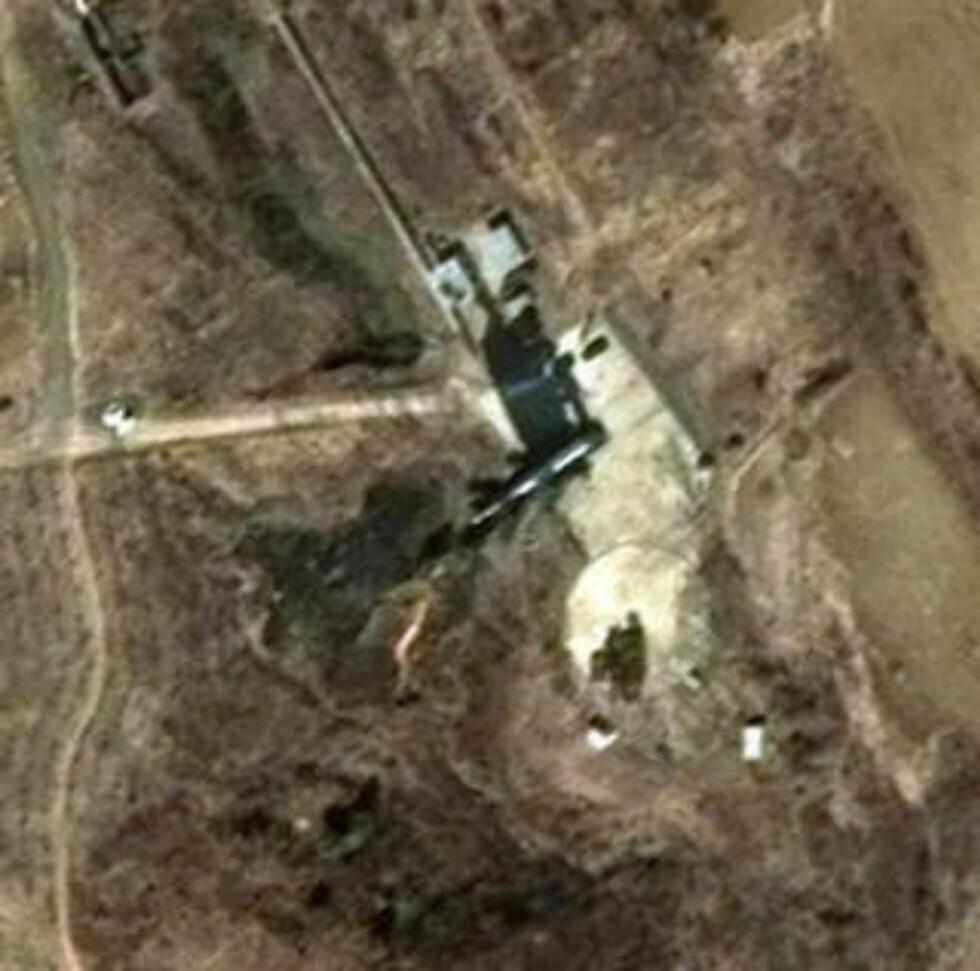 RAKETTBASEN: Dette satelittbildet fra DigitalGlobe viser rakettbasen nordøst i Nord-Korea. Foto: AP Photo/DigitalGlobe/SCANPIX