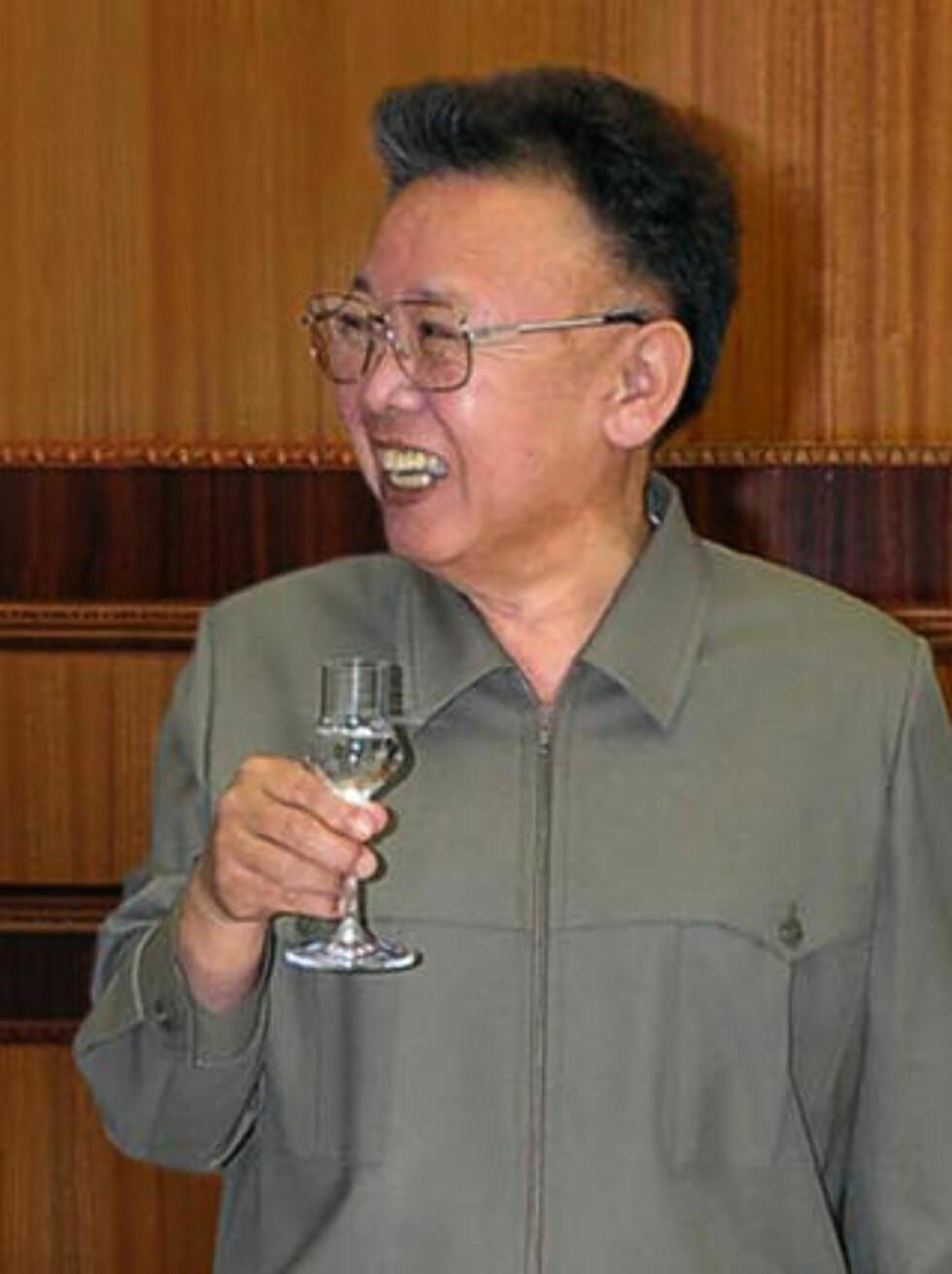 VIL HA OPPMERKSOMHET: Analytikere mener Kim Jong Il provoserer for å skaffe seg økonomisk støtte han desperat trenger. Foto: Scanpix