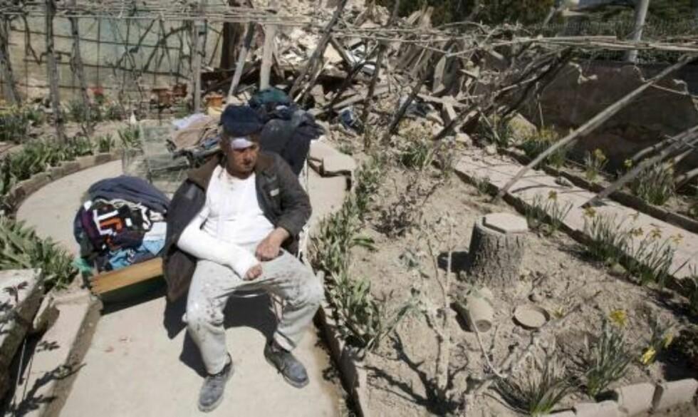 STORE ØDELEGGELSER: 50 000 personer kan ha blitt husløse etter jordskjelvet. Foto: REUTERS/SCANPIX