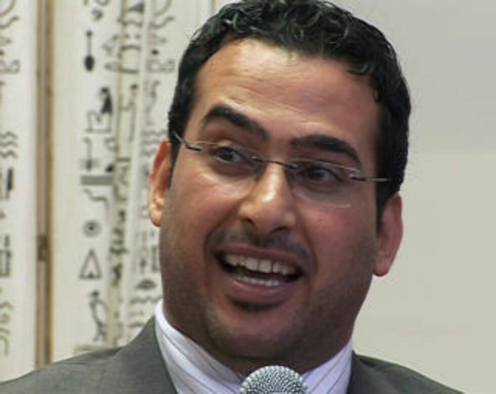 I FENGSEL: TV journalist Muntazer al-Zaidi Foto: REUTERS/Future Television/SCANPIX