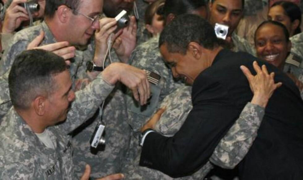 MOTTATT MED KLEM: Obama fikk en varm mottagelse. Foto:  REUTERS/Jim Young/SCANPIX