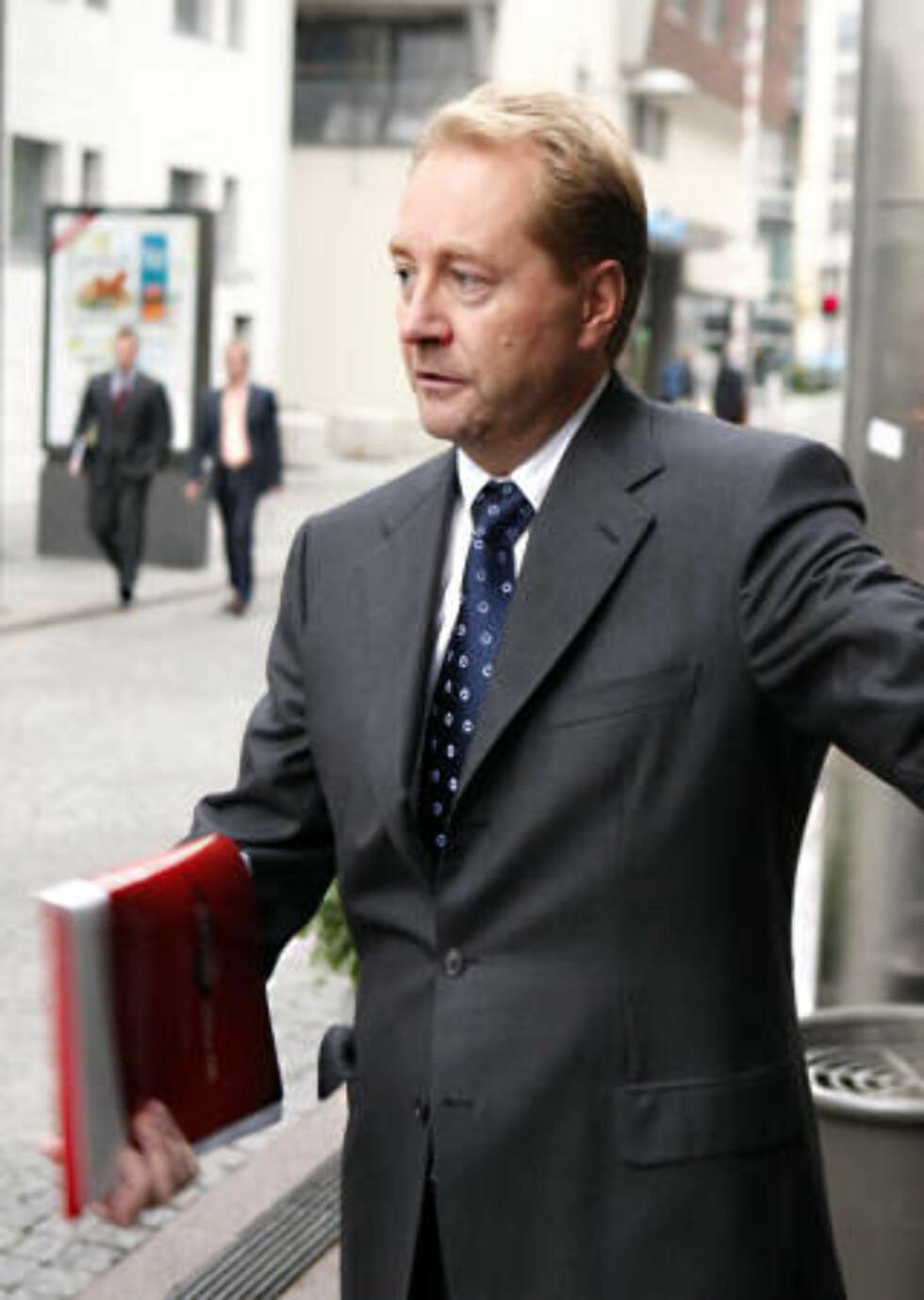 - PROBLEMATISK: Joly kritiserer Kjell Inge Røkkes dobbeltroller. Foto: Knut Falch / SCANPIX
