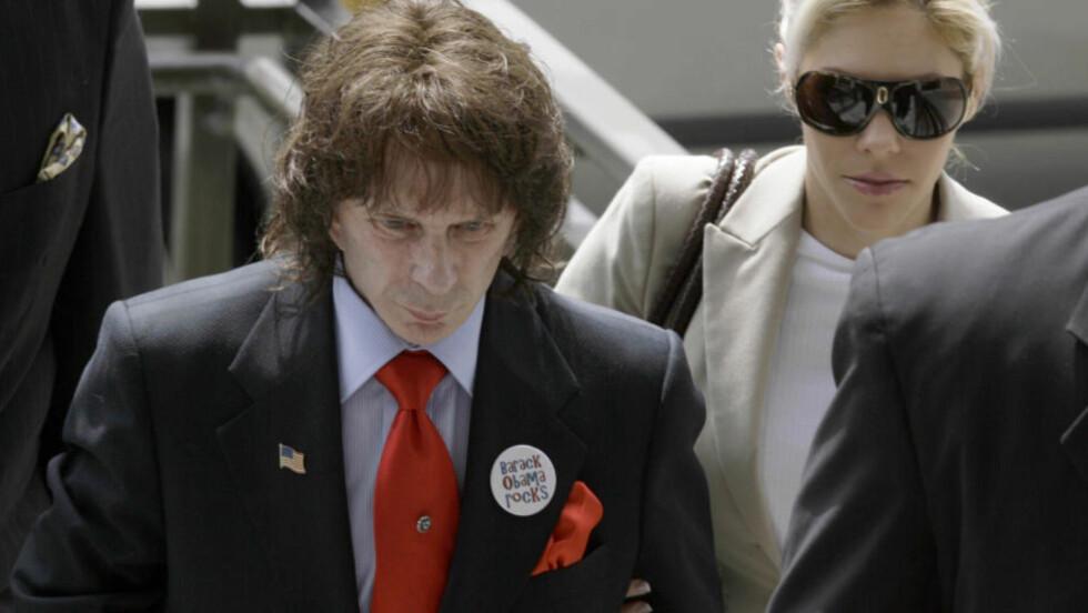 - FUNNET SKYLDIG I DRAP: Musikkprodusent Phil Spector (69). Han risikerer nå livstid i fengsel. Foto: AP/SCANPIX
