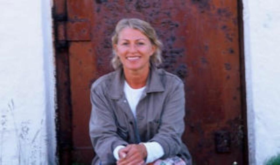 SJOKKERT: Kari Gjæver Pedersen oppdaget søppelbergene i juvet. Foto: Privat.