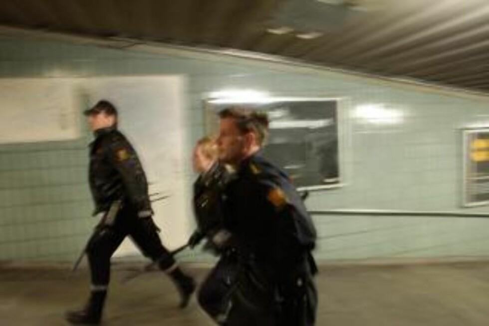 VENTER MER BRÅK: Politiet tror ikke fotballbråket i Oslo er over. Foto: Sigurd Fandango