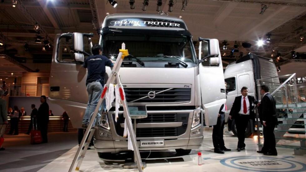 DÅRLIGE TIDER: 1500 Volvo-ansatte i Sverige mister jobben. Foto: Scanpix