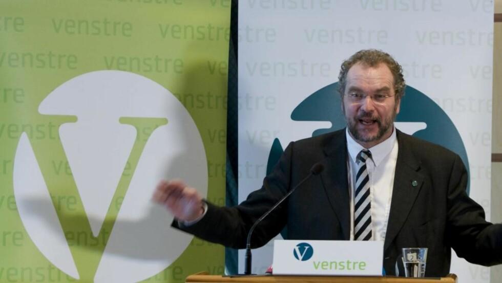 SA JA:  Partileder Lars Sponheim offentliggjorde sitt EU-standpunkt på landsmøtet. Foto:  Bjørn Sigurdsøn  / SCANPIX