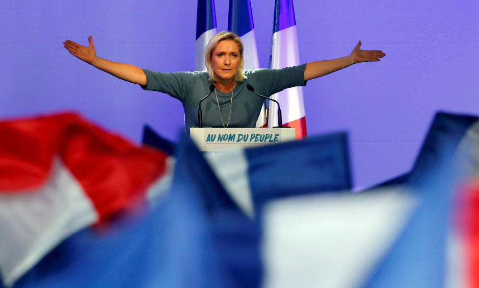 PRESIDENTKANDIDAT: Marine Le Pen er leder og presidentkandidat for det ytterliggående høyrepartiet Nasjonal front. Nå innrømmer Frankrikes statsminister at det finnes muligheter for Le Pen til å vinne valget. Foto: Jean-Paul Pelissier/Reuters