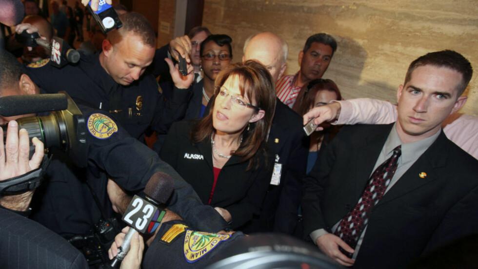 HAR BEGYNT Å SNAKKE UT: Sarah Palin er fortsatt i søkelyset etter valgkampen. Foto: AP/John Watson-Riley/Scanpix