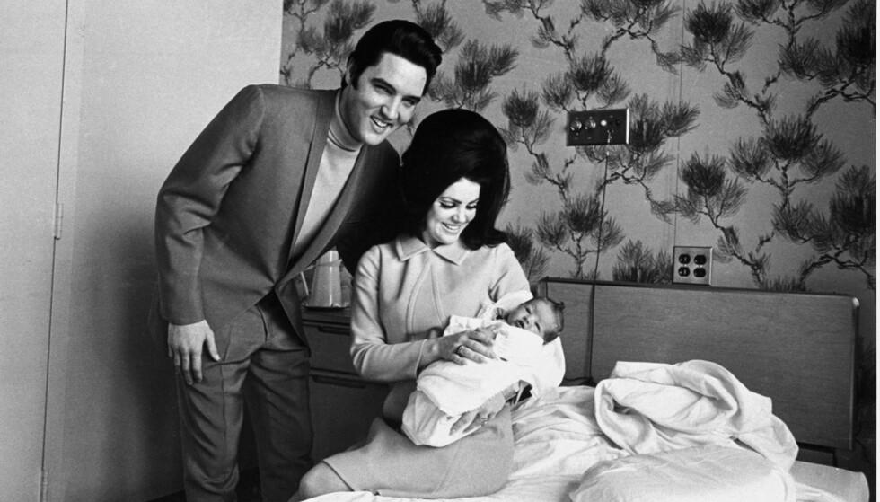 FAMILIE: Elvis og Priscilla Presley fikk datteren Lisa Marie Presley sammen. Sistnevnte var bare ni år da rockeikonet gikk bort. Foto: NTB Scanpix