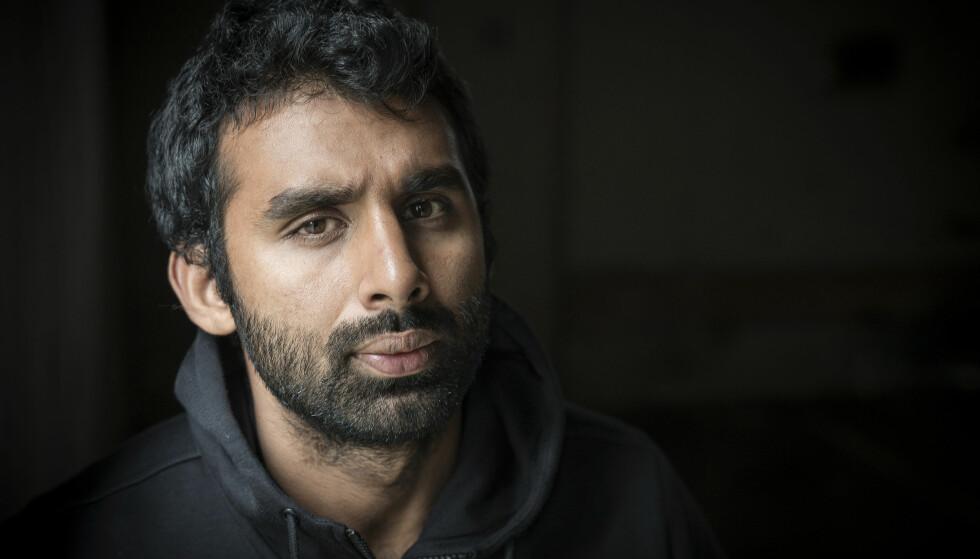 Action fra første side: Forfatteren gir oss innsikt i et brutalt ungdomsmiljø med dop, kriminalitet og drap, parallelt med et fordomsfullt, kontrollerende og dobbeltmoralsk pakistansk miljø. Foto: Øistein Norum Monsen