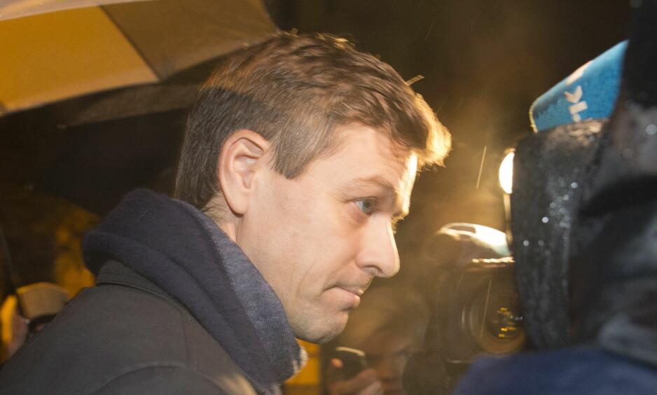 AVSLUTTER FOR KVELDEN: Partileder Knut Arild Hareide (KrF) syns forhandlingene mellom de fire samarbeidspartiene går bedre og bedre. Foto: Berit Roald / NTB scanpix