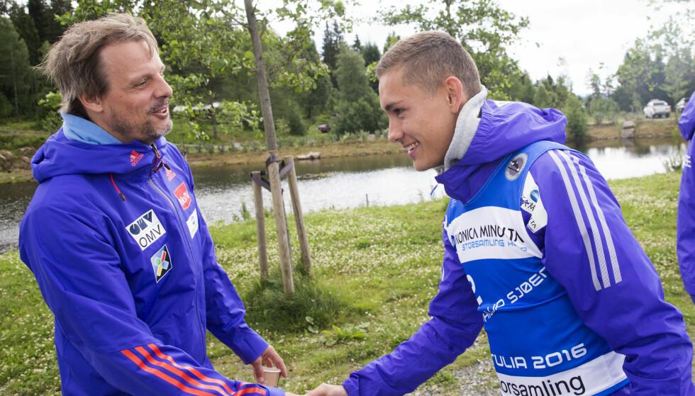 I KULDA: Landslagssjef Alexander Stöckl forteller at skihopperen Phillip Sjøen  ikke er i landslagets planer. Foto: Terje Bendiksby / NTB scanpix