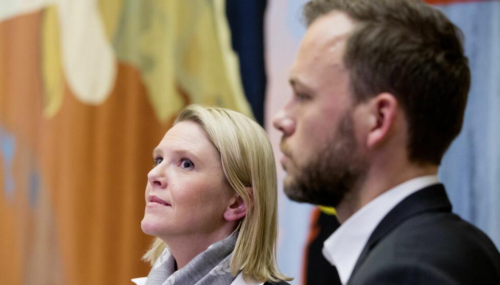 ELITISTISK: - H/Frp-regjeringen er den mest elitistiske regjering Norge har hatt i nyere tid. Godt inn i sitt fjerde år ved makten klarer den ikke lenger skjule at retorikken mot «eliten» er et narrespill, skriver Audun Lysbakken (t.h.). Til venstre, innvandrings- og integreringsminister Sylvi Listhaug (Frp). Foto: Håkon Mosvold Larsen / NTB scanpix