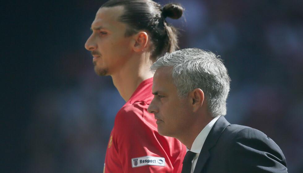 FORLENGER: Jose Mourinho bekrefter i dag at Zlatan blir å finne på Old Trafford også neste sesong. Foto: AP Photo/Tim Ireland/NTB Scanpix
