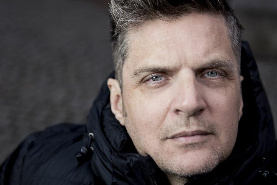 KURATOR: I dikstamlingen «Wunderkammer» har Nils Christian Moe-Repstad skrevet 740 dikt. Disse har han fordelt på 27 ulik kataloger, som i et museum. Foto: Bjørn Langsem / Dagbladet