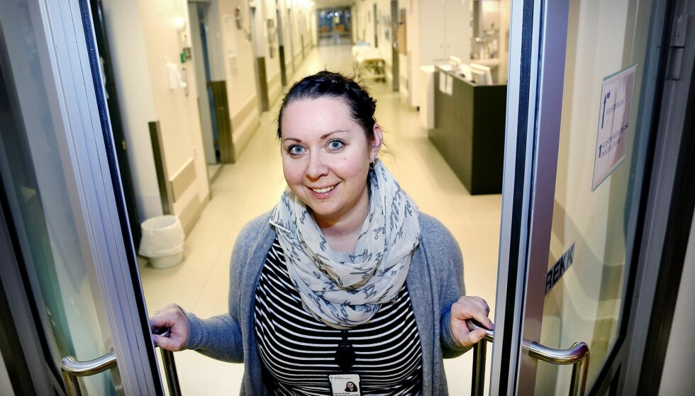 I NY JOBB: Katrine M. Huse sa opp sykepleierjobben på sykehjem til fordel for jobb på Ahus. Jobben på sykehjem ble for tøff. Alle foto: Jacques Hvistendahl