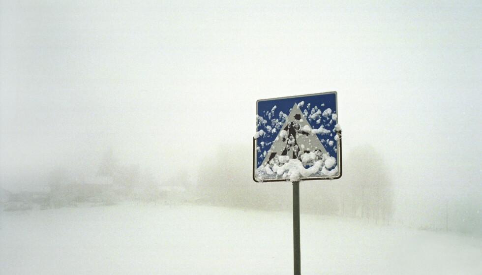 STENGT: Riksvei 7 over Hardangervidda og riksvei 13 over Vikafjellet er stengt tirsdag kveld på grunn av uvær. Illustrasjonsfoto: Roland Schgaguler / NTB scanpix