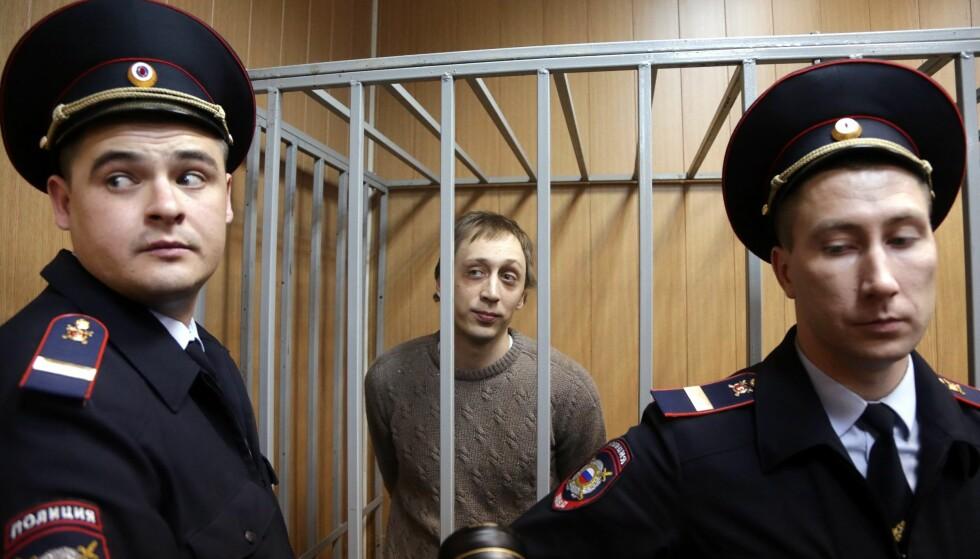 HAR SONET: Pavel Dimitritsjenko er ute tidlig på grunn av god oppførsel i fengselet. Her under rettssaken i 2013. Foto: NTB Scanpix