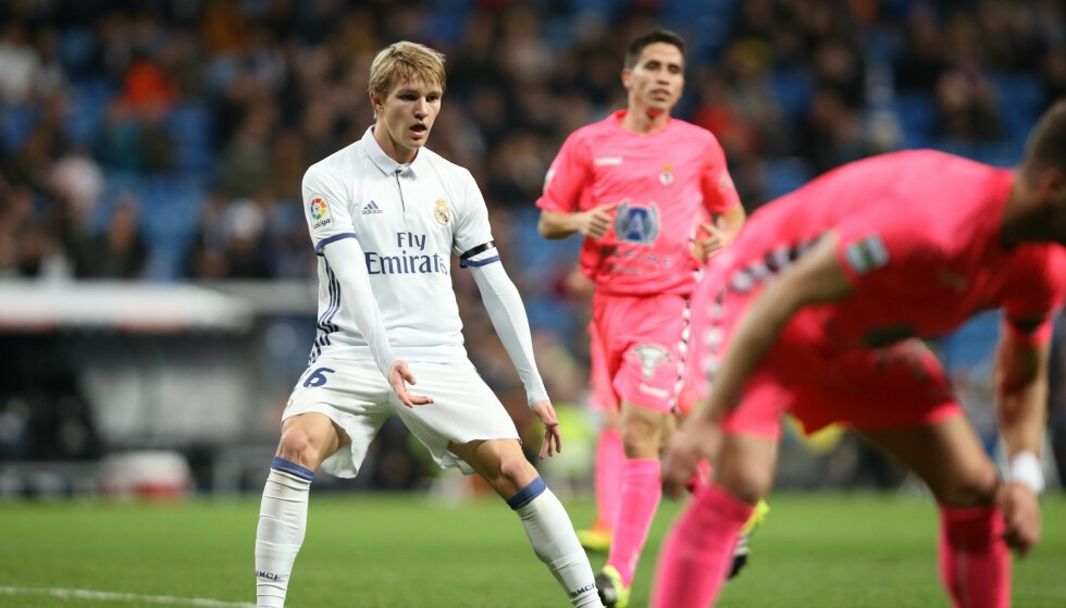 FRA START: Martin Ødegaard startet kveldens cupkamp mot Cultural Leonesa fra nivå tre. Foto: Erik Johansen / NTB scanpix