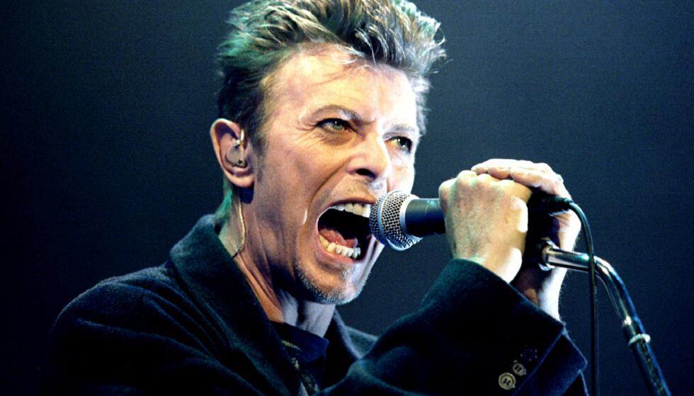 HYLLESTKONSERT: På søndag ble det holdt en hyllestkonsert for David Bowie på Rockefeller i Oslo, for å markere det som ville vært superstjernas 70-årsdag. Foto: NTB Scanpix / REUTERS / Leonhard Foeger / File Photo