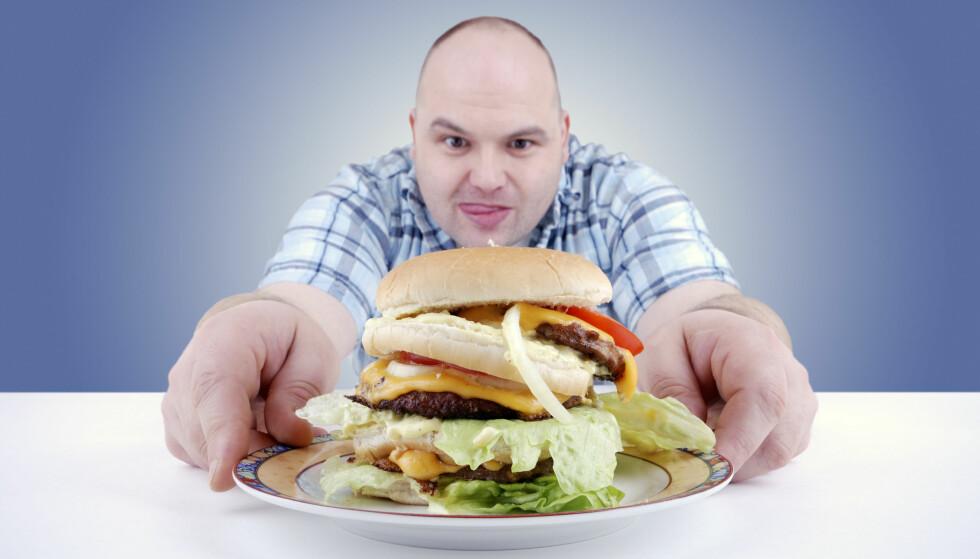 OPPSIKTSVEKKENDE RESULTATER: Mange har trodd at et høyt inntak av fett i seg selv gir økt vekt og økt helserisiko. Ny norsk forskning tyder derimot op at mye mettet fett i kosten er mindre helseskadelig enn hva som er blitt hevdet.  Foto: Shutterstock / NTB Scanpix
