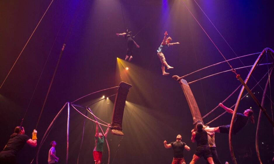 NYSIRKUS:  Sønnen til Cirque du Soleil-grunnlegger Gilles Ste-Croix, Olivier Rochette, døde tirsdag som følge av en sceneulykke. Rochette arbeidet som tekniker, og er derfor ikke på dette bildet, som er fra en kostymeprøve før åpningen av Luzia i Toronto i juli. Foto: The Canadian press / Chris Young