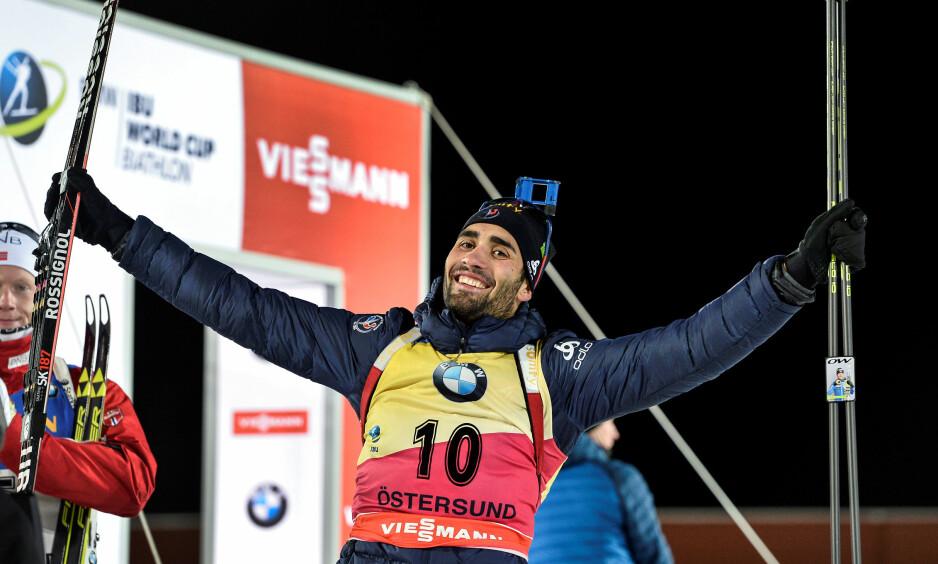 FYSISK SVAR: Martin Fourcade ga Emil Hegle Svendsen svar på tiltale på dagens sprint. Foto: NTB scanpix