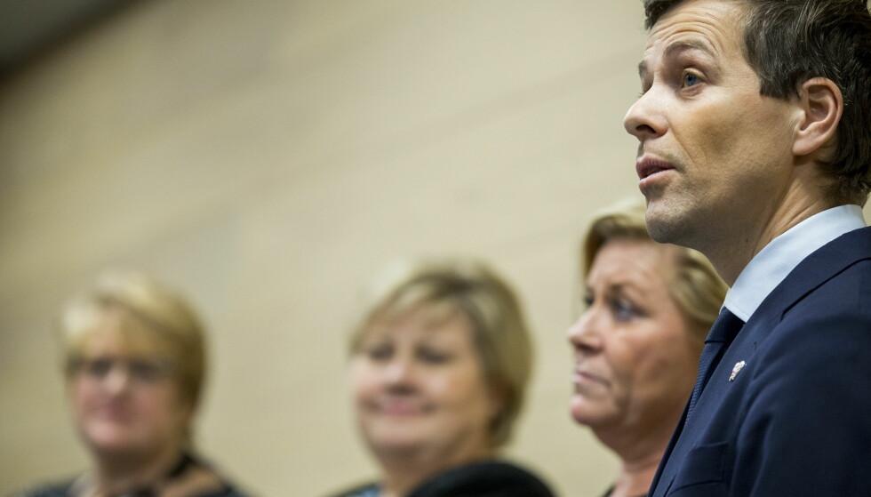 AVBLÅST KRISE: KrF-leder Knut Arild Hareide melder om jubel i KrF over gjennomslaget i budsjettavtalen som førte til at regjeringskrisen er avblåst. Foto: Vegard Wivestad Grøtt / NTB scanpix