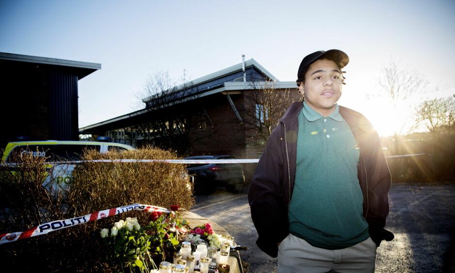 - MÅLLØS: Nicolas Isaiah Chapman (15) var bekjent av den drepte 14 åringen Jakob Abdullahi Hassan. Han møtte Dagbladet sammen med sin mor. Foto: Tomm W. Christiansen / Dagbladet
