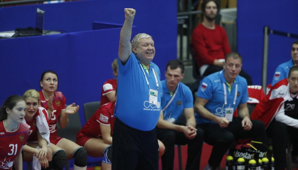 IRONISK?: Jevgenij Trefilov hadde lite å smile for mot Romania. Foto: Bjørn Langsem