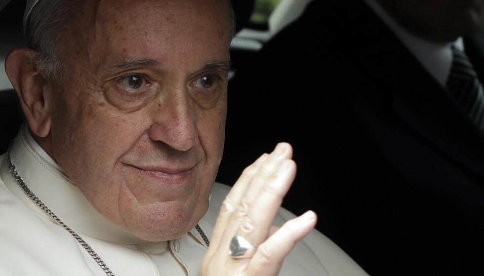 NEI TIL HOMOFILE: Et rundt 100 sider lange omfattende manualen for presteopplæring er godkjent av pave Frans og utgitt av Vatikanets avis, Osservatore Romano. fOTO: AP Photo/Andrew Medichini/NTB Scanpix