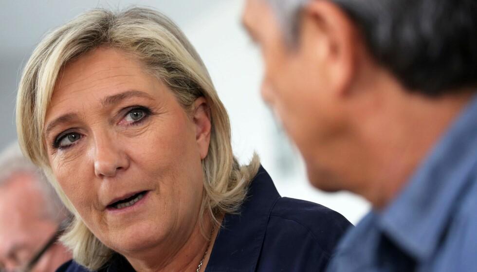 GODE MÅLINGER: Marine Le Pen, som leder det høyrepopulistiske partiet Nasjonal front, ligger ifølge meningsmålingene an til å få nest høyest oppslutning i neste års presidentvalg. Foto: AFP PHOTO / Richard BOUHET