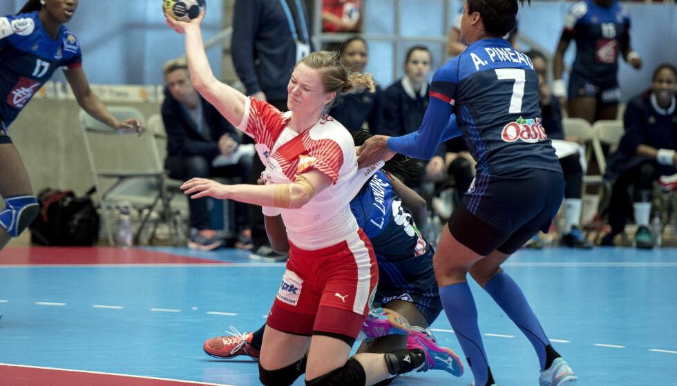 SLITER: Danmark og Anne Mette Hansen er i kne og borte som markant håndballnasjon for damer. Foto: Carina Johansen / NTB scanpix