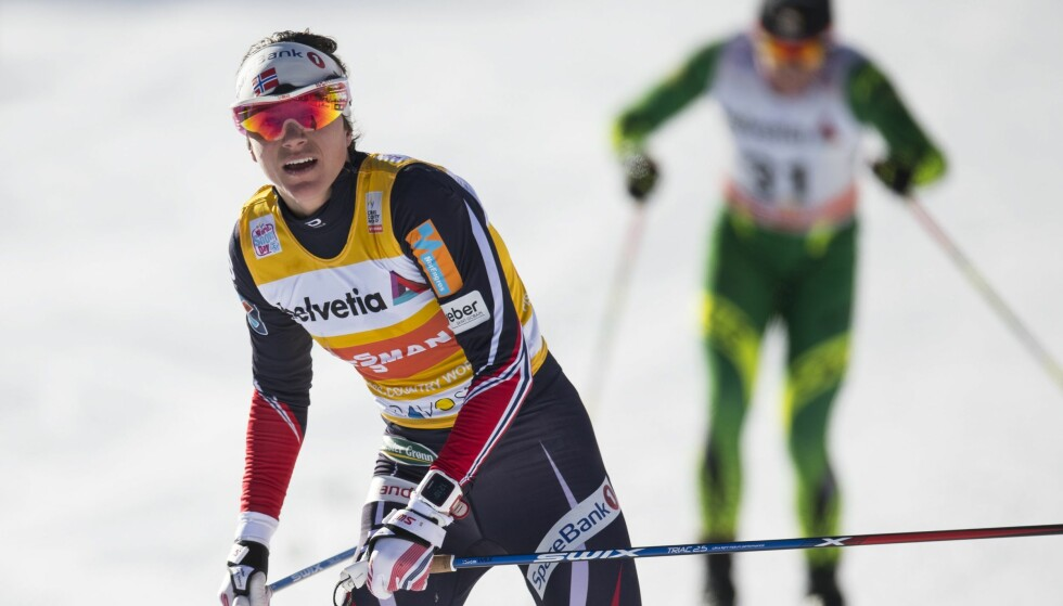 UTE: Heidi Weng klarte ikke å kapre en av kvartfinaleplassene. Foto: EPA/GIAN EHRENZELLER