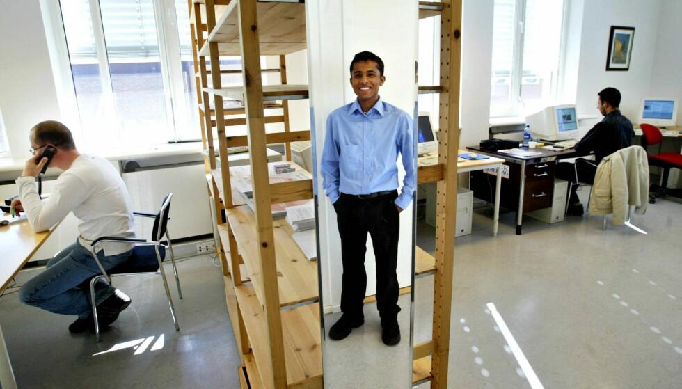 UTROP: Majoran Vivekananthan i lokalene til den flerkulturelle avisa Utrop for noen år siden. Foto: Kartrine Nordli / Aftenposten / NTB Scanpix