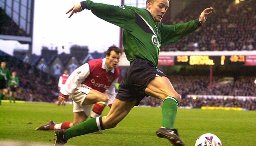 <strong><b>LÅRSKADD:</strong></b> Tidligere Rosenborg- og Liverpool-spiller Vegard Heggem sleit med lårskader gjennom hele karrieren. Her har han lurt Fredrik Ljungberg. Foto: Keith Hammett