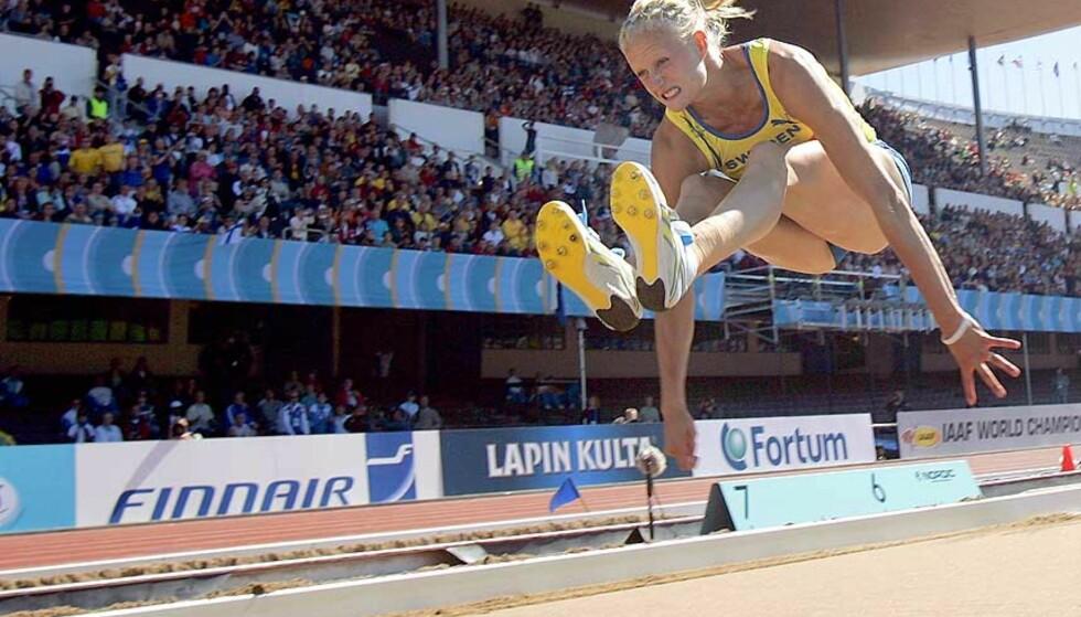 <strong><b>VANT LENGDE:</strong></b> Carolina Klüft vant lengdekonkurransen i kvinnenes sjukamp med et hopp på 6,87 - årsbeste med tre centimeter. Foto: AP/Scanpix