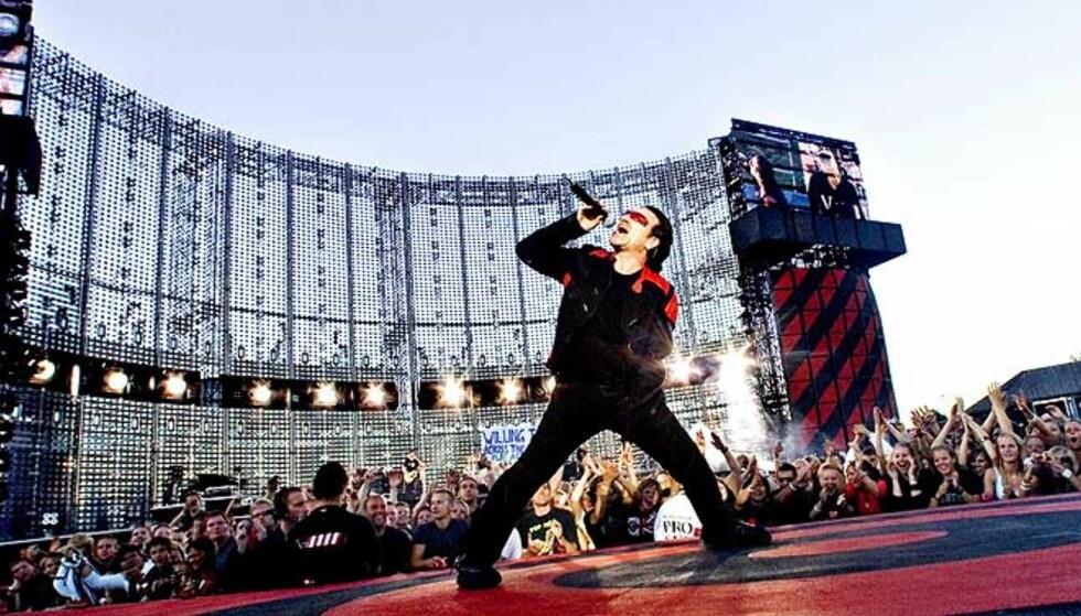 KANDIDAT: U2-vokalist Bono er en het kandidat til Nobels Fredspris som deles ut fredag klokka 11. Men er han het nok?