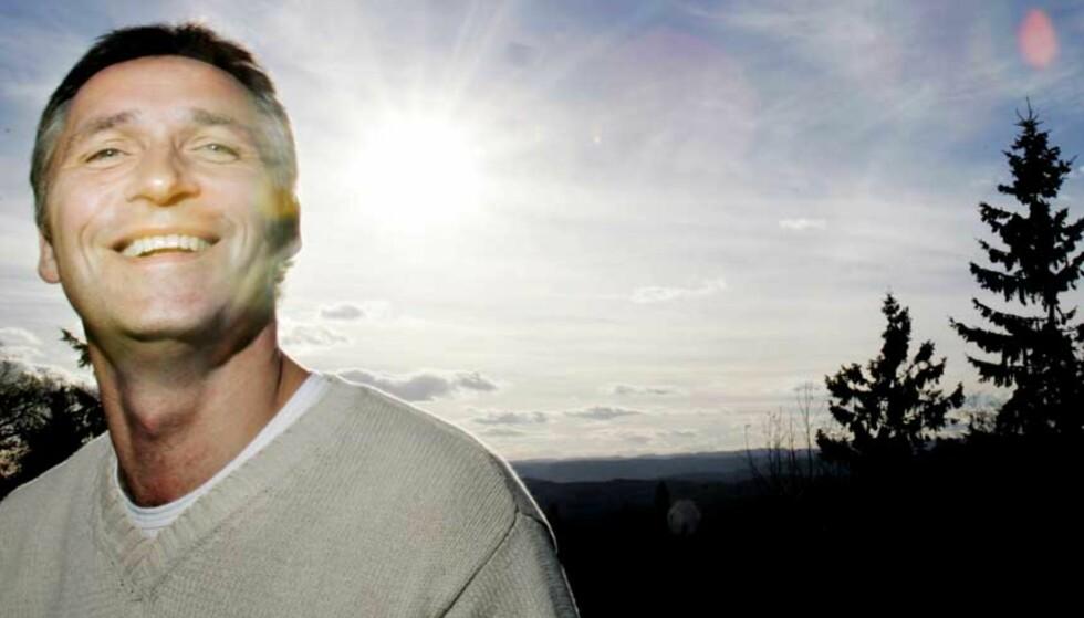 PÅTROPPENDE I SOLNEDGANG:  De rødgrønne med påtroppende statsminister Jens Stoltenberg regner med å ha regjeringserklæringen og statsrådkabalen ferdig i dag. Foto: Frank Karlsen