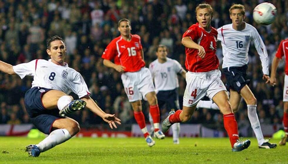 AVGJØRELSEN: Frank Lampard scorer det praktfulle 2-1-målet for England. Foto: Reuters/Scanpix