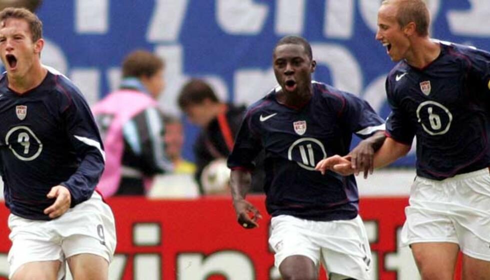 BENKEN FRISTER LITE: Freddy Adu (midten) truer med å forlate DC United fordi han ikke får spille nok. Foto: Scanpix/Ap