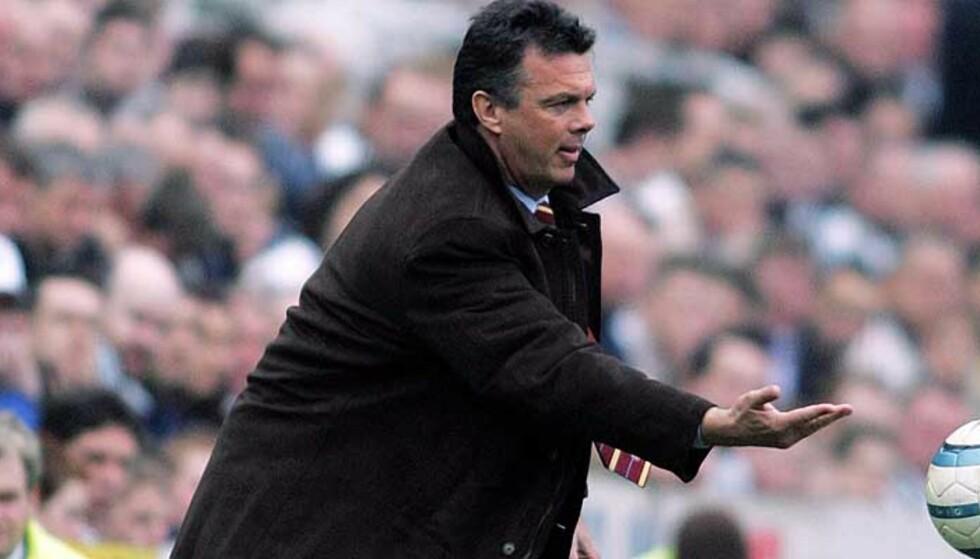 BAKKE-FAN: David O\'Leary hentet Bakke til Leeds i 1999, og leide nordmannen til Villa i år. Foto: AP