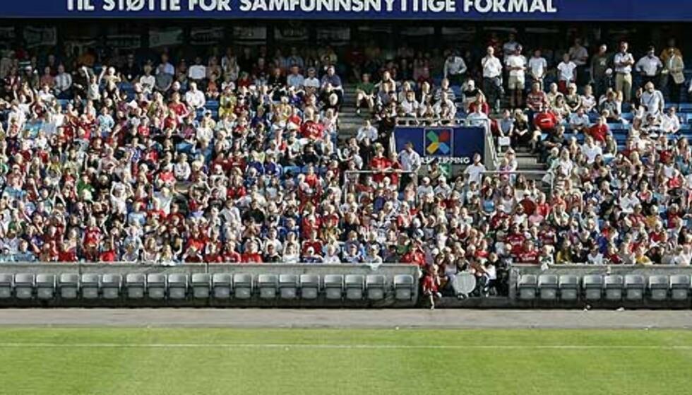 TRANGT OM PLASSEN: Bare 6700 billetter er blitt lagt ut for salg til Norge-Tsjekkia. Foto: Scanpix