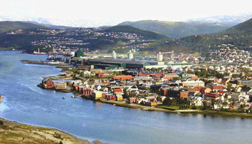 SELGER DOP, TOBAKK OG SPRIT:  En ansatt ved Elkems anlegg i Mosjøen forteller om smuglingen. Foto: Elkem